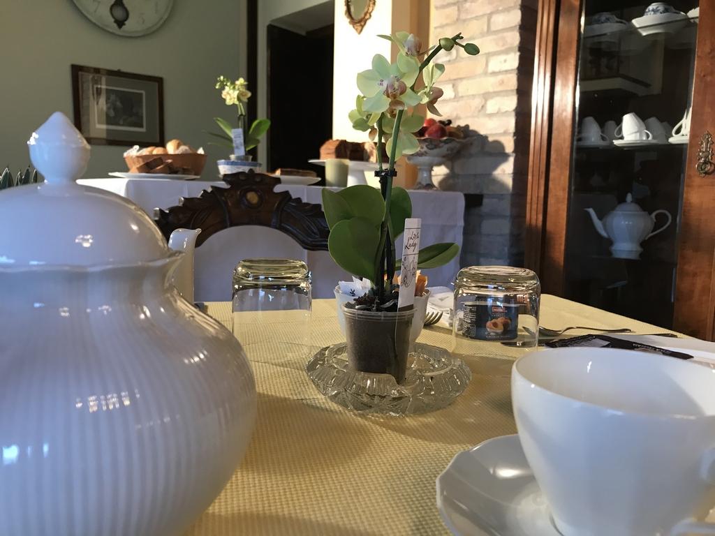 Elegante tavola Agriturismo Collerisana