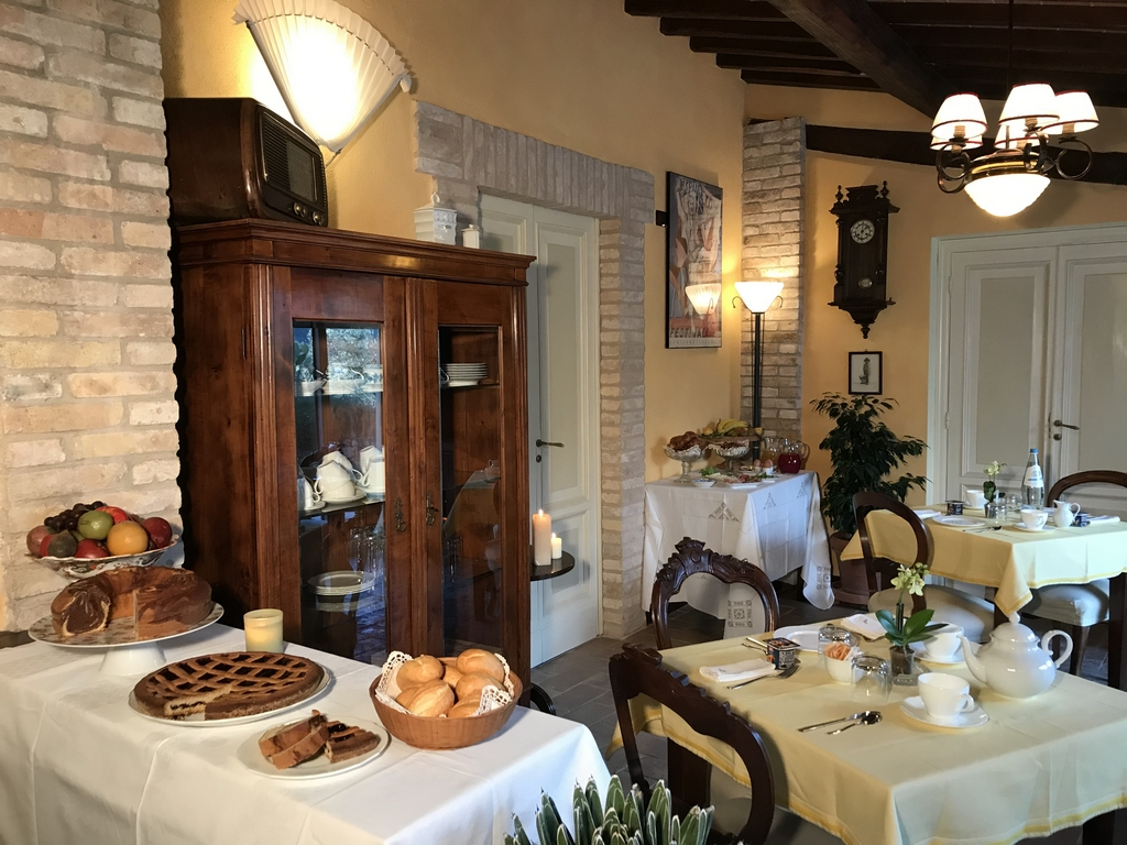 Breakfast Room - Agriturismo Collerisana spoleto